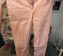 Bejbi roze pantalone