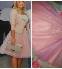 Bebi roze suknja od tila