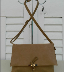 Prelepa puderasto braon torba