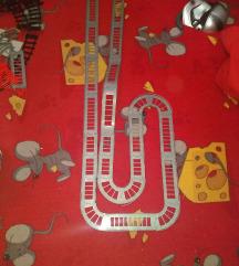Pertini staze za autice/vozove