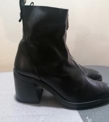 Zara crne cizme