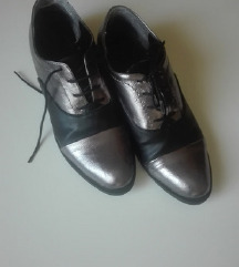 Interesantne cipele SNIŽENE