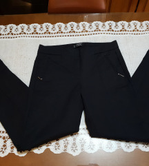 Mango crne pantalone kao nove