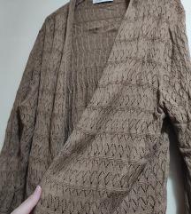 Lagani rupičasti braon džemperić