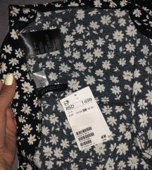 Snizeno H&M divided pantalone novo sa etiketom