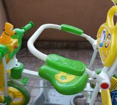 Tricikl koji svira