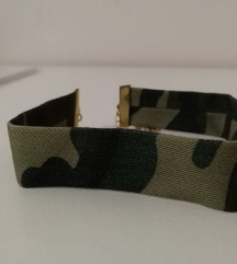 Čoker ogrlica vojnički dizajn