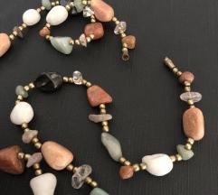 Ogrlica sa poludragim kamenjem