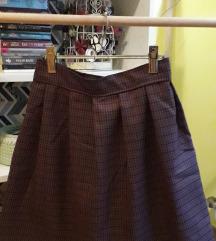 Šivena karirana suknja