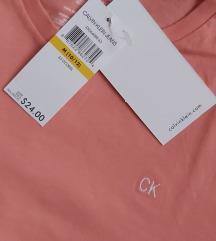 Calvin Klain sa etiketom iz USA