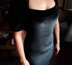 Crna plišana haljina do kolena