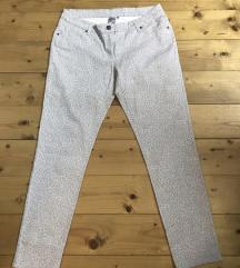 Ženske pantalone sa printom