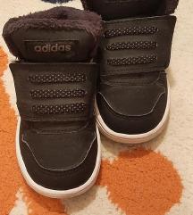 Adidas zimske paticice. Br. 23, ug. 14 cm