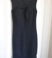 Mala crna bodycon haljina