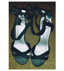 Sandale sa mašnicom na peti