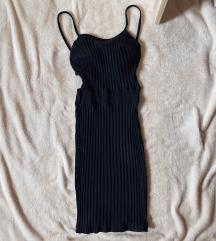 Crna uska haljina sa golim ledjima