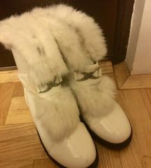 Bele zimske cizme