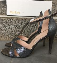 Srebrne sandale 39