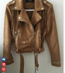 Tražim zara jaknu M