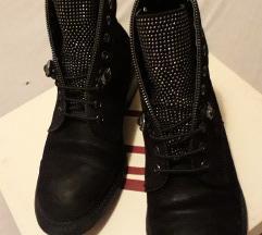 Antonela Rossi dublje cipele