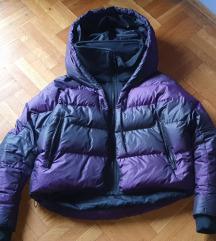 ***Vrhunska original NIKE jakna sa kapuljacom***