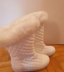 Cizme bele gumene sa krznom