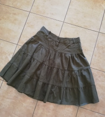 Maslinasta suknja, biser