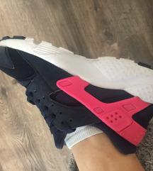 Nike Hurache br 38 (decji model)