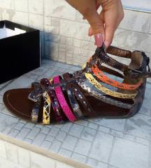 Ravne sandale 🌹