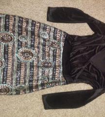 Crna plišana haljina sa šljikicama m/l