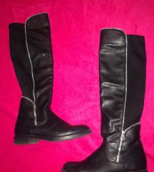 Obuća / Duge crne čizme