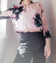 Predivna cvetna košuljica/bluzica