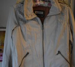 BERSHKA prolećna jaknica