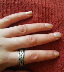 Antistres srebrni prsten