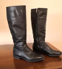 Kožne crne čizme, kvalitetne, broj 37