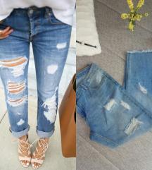 Janina boyfriend, ripped jeans W44 L29