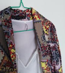 Bela bluza+ogrtac S 1000 dinara