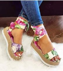 Cvetne sandale
