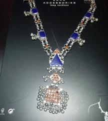 Zara ogrlica NOVO