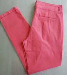 Lagane letnje pantalone u koralnoj boji