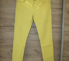 Žute pantalone