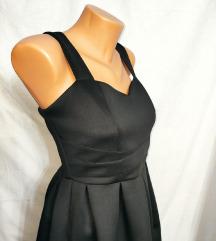 Prelepa crna elegantna haljinica