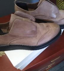 Cipele br 38
