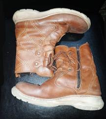 Kozne cizme hitno za 999