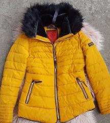 Zimska jakna sa crnkm krznom  - kao nova