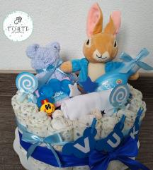 Torta od pelena sa igračkom