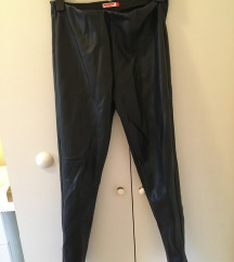 Crne kožne pantalone