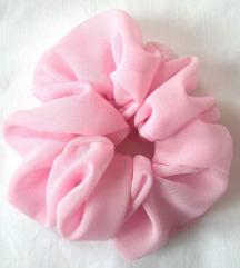 Satenska scrunchie  roze gumica za kosu