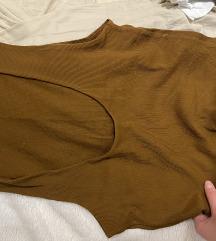 Khaki Zara basic majica sa dubokim dekolteom