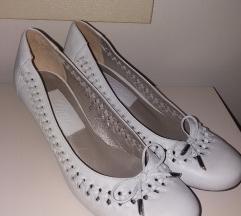 Paar ,prelepe, kao nove sandal/cipele